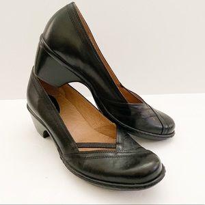 Clarks Artisan collection black chunky heels